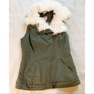 Mossimo Green Utility Vest with Trim